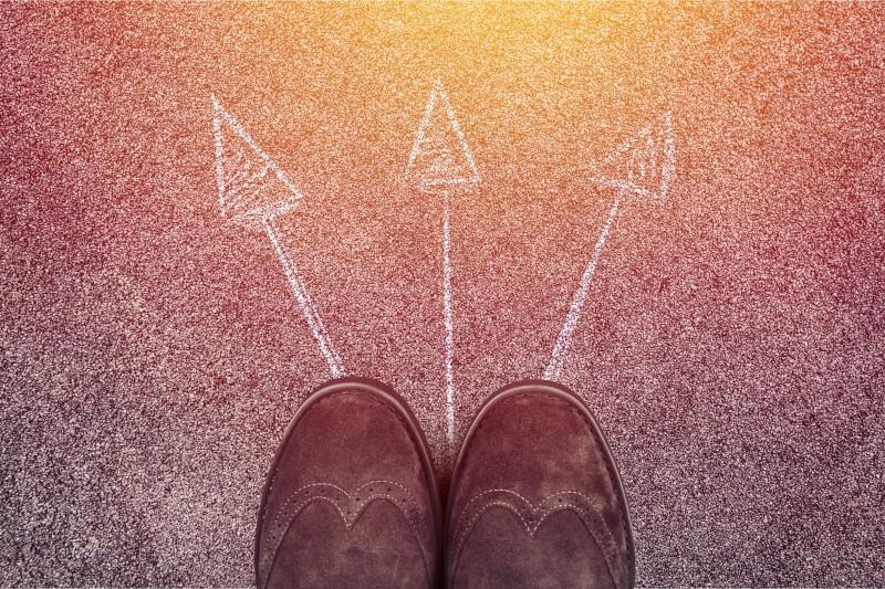 In Phase 3 der Customer Journey beginnt der potentielle Kunde selbst zu recherchieren.